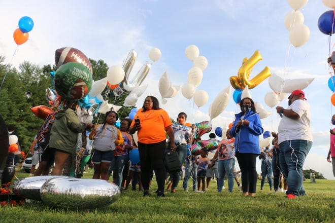 Jamarcus Esmon's family and friends released balloons in honor of his 27th birthday Sept. 1, 2020, at Mt. Hope Cemetery in Franklin, Tennessee.