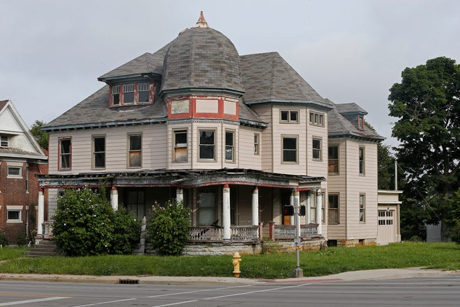 Ownership of the Crain sanitarium on the northwest corner of East Main and 22nd streets in Richmond was the subject of a lawsuit recently dismissed by a Wayne County judge.