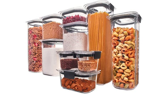 This 10-piece set comes with airtight lids for each container.