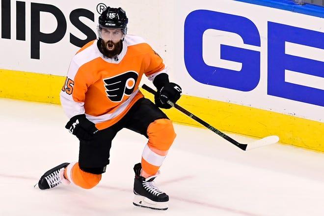 Flyers defenseman Matt Niskanen celebrates scoring a third-period goal during Game 5 on Tuesday night.