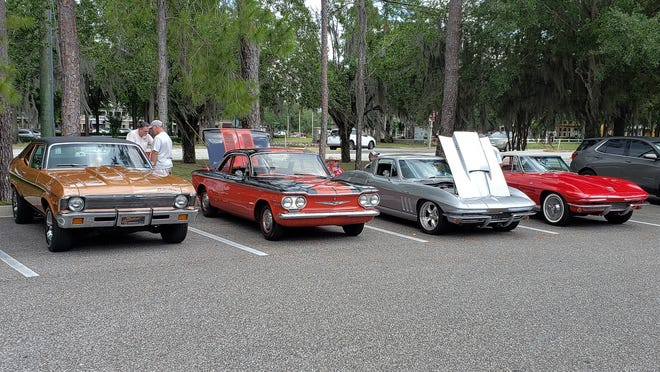 May's Cruise Fruit Cove with Chevrolet Corvettes, a Corvair and a Nova.
