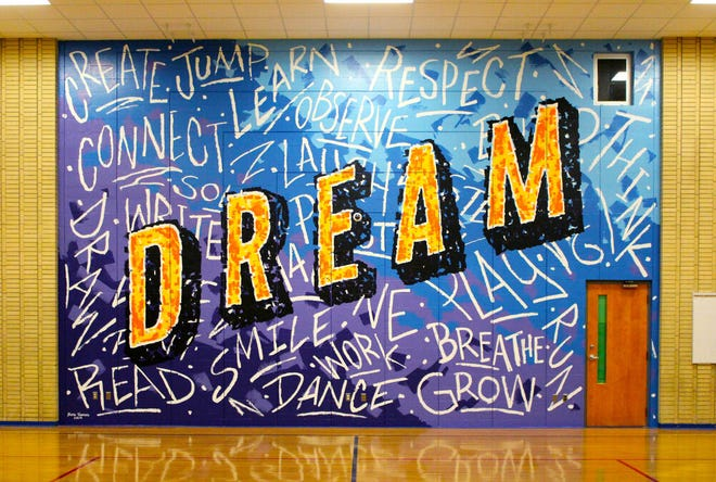 A mural at Lincoln Elementary School in Green Bay.