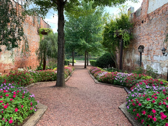 Prattville's downtown pocket park is where the old Cobb Building used to be.