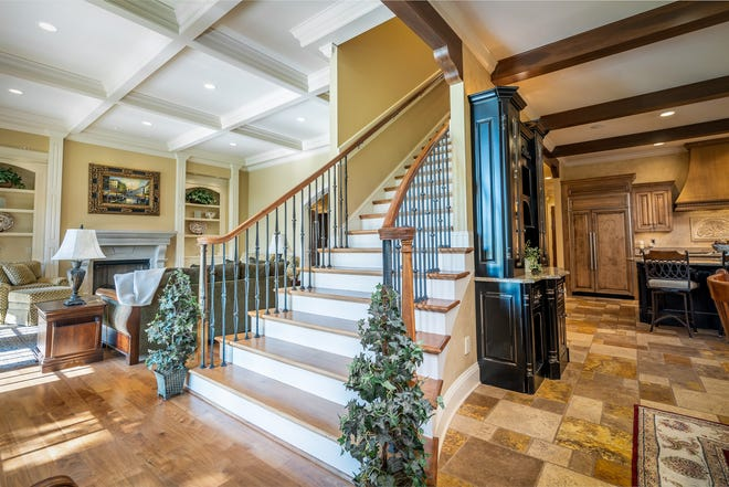 This beautiful home on 907 John Armfield Court in Gallatin's Fairvue Plantation is listed by Aaron Dwyer, owner, EXIT Realty Lake Country.  It was originally part of Fairvue's first Parade of Homes and was built by Hughes-Edwards Builders.