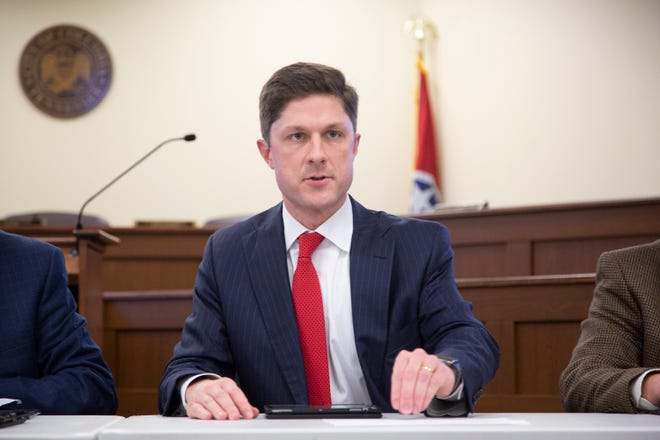 Columbia Mayor Chaz Molder said he is proud of the 2021-2022 budget, which includes no tax increase and a raise for employees. He is pictured leading his first study session of the Columbia city council at city hall on Thursday, Jan. 3, 2019.