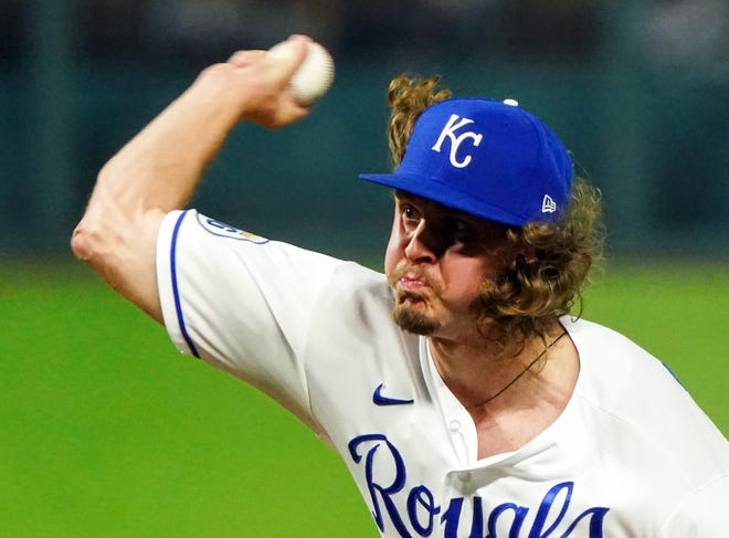 Kansas City Royals relief pitcher Scott Barlow (58) pitches against the Cleveland Indians during the ninth inning of Wednesday's game at Kauffman Stadium. Cleveland won 5-0 to win the series 2-1.