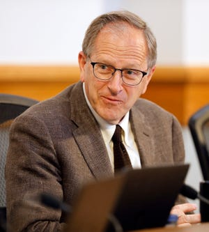 Lakeland Mayor Bill Mutz during a prior city commission meeting. File photo/The Ledger 2019