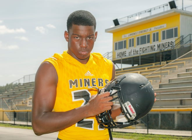 Fort Meade senior Deonte Anderson, a 6-foot-4, 220-pound defensive end, has the size, speed and quickness that college coaches are looking for in a pass-rushing end.