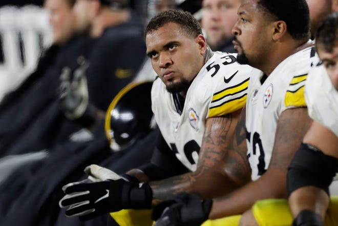 Pittsburgh Steelers center Maurkice Pouncey (53) .