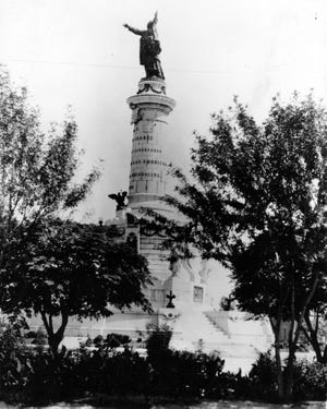 The Benito Juárez monument was inaugurated on Sept. 16, 1910.