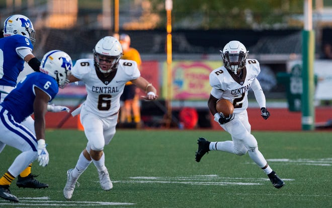 Central's Teorien Evans (2) carries the ball as the Central Bears play the Memorial Tigers at Bundrant Stadium Friday evening, Sept. 4, 2020.