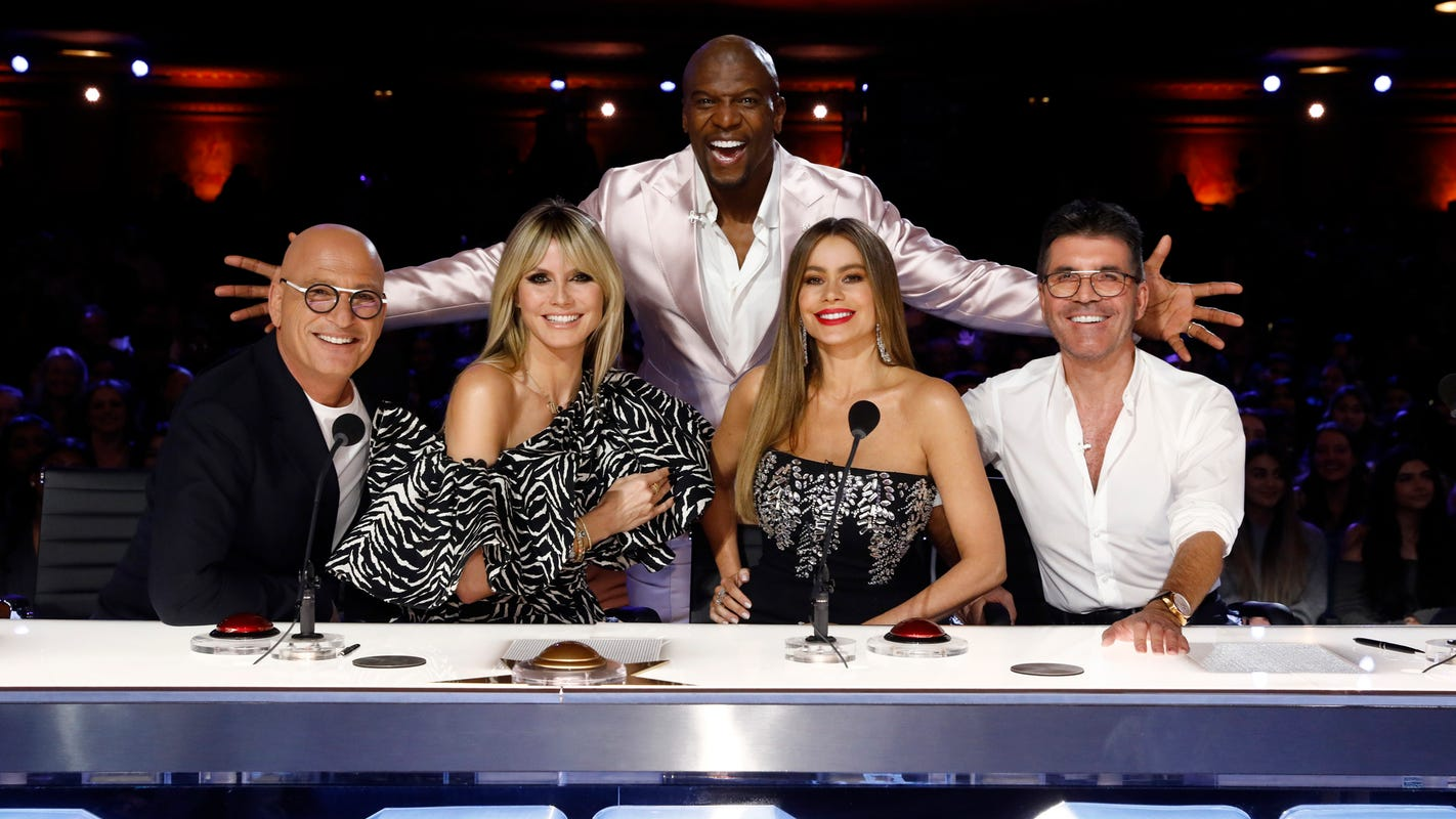 'AGT': Simon Cowell tricks Sofía Vergara into thinking she killed him in botched danger act