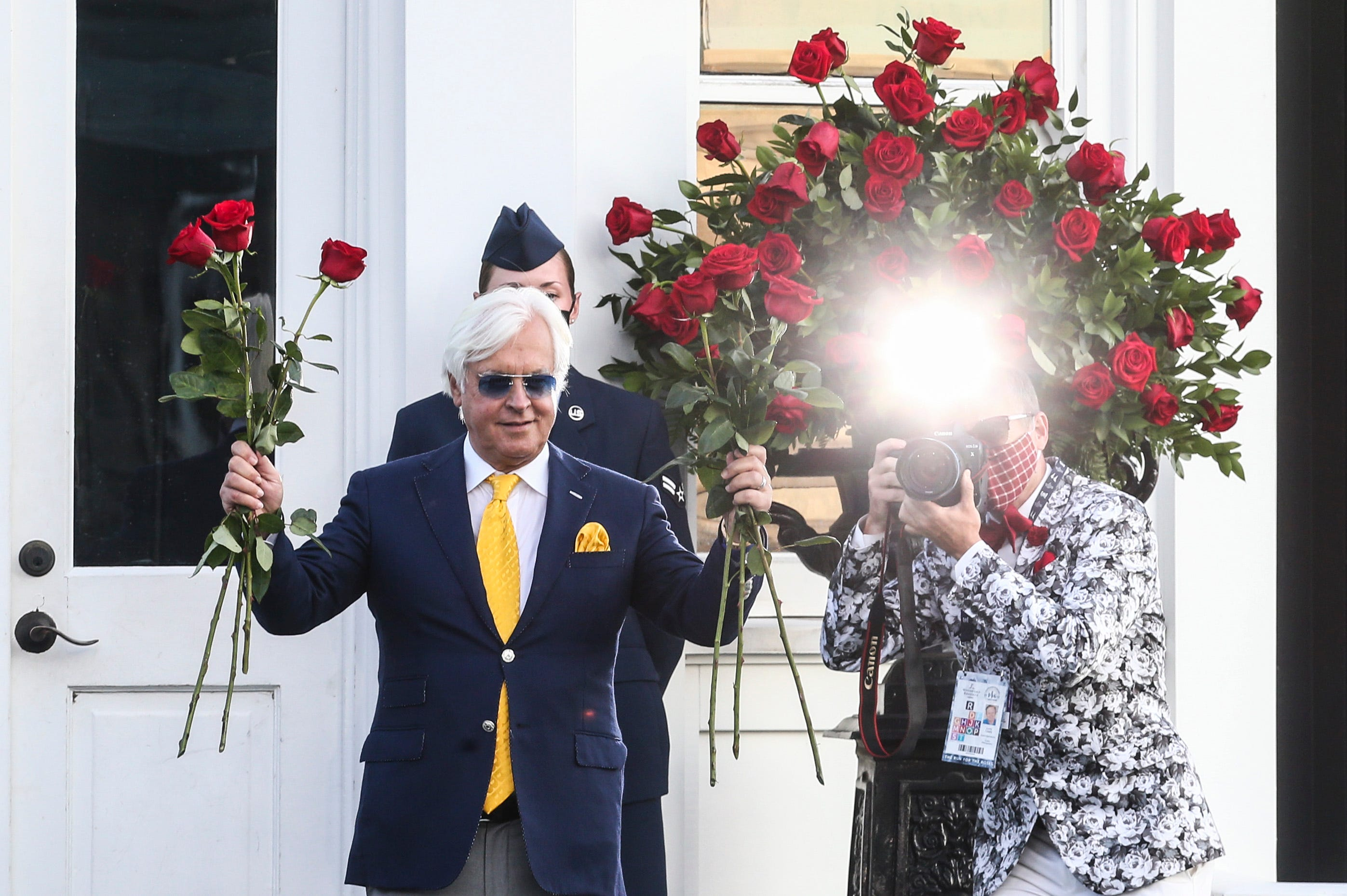 Despite injured assistant, scratched horse and tumble, trainer Bob Baffert wins Kentucky Derby again