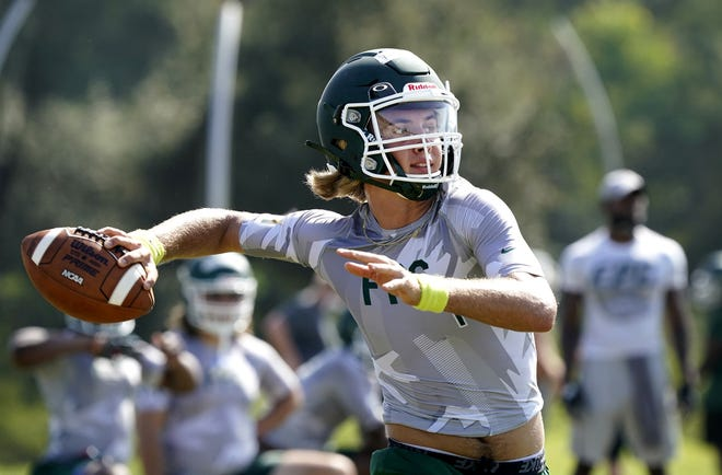 Preston Roberts and Flagler Palm Coast open the season at No. 3 in The News-Journal Fab 5 football rankings.