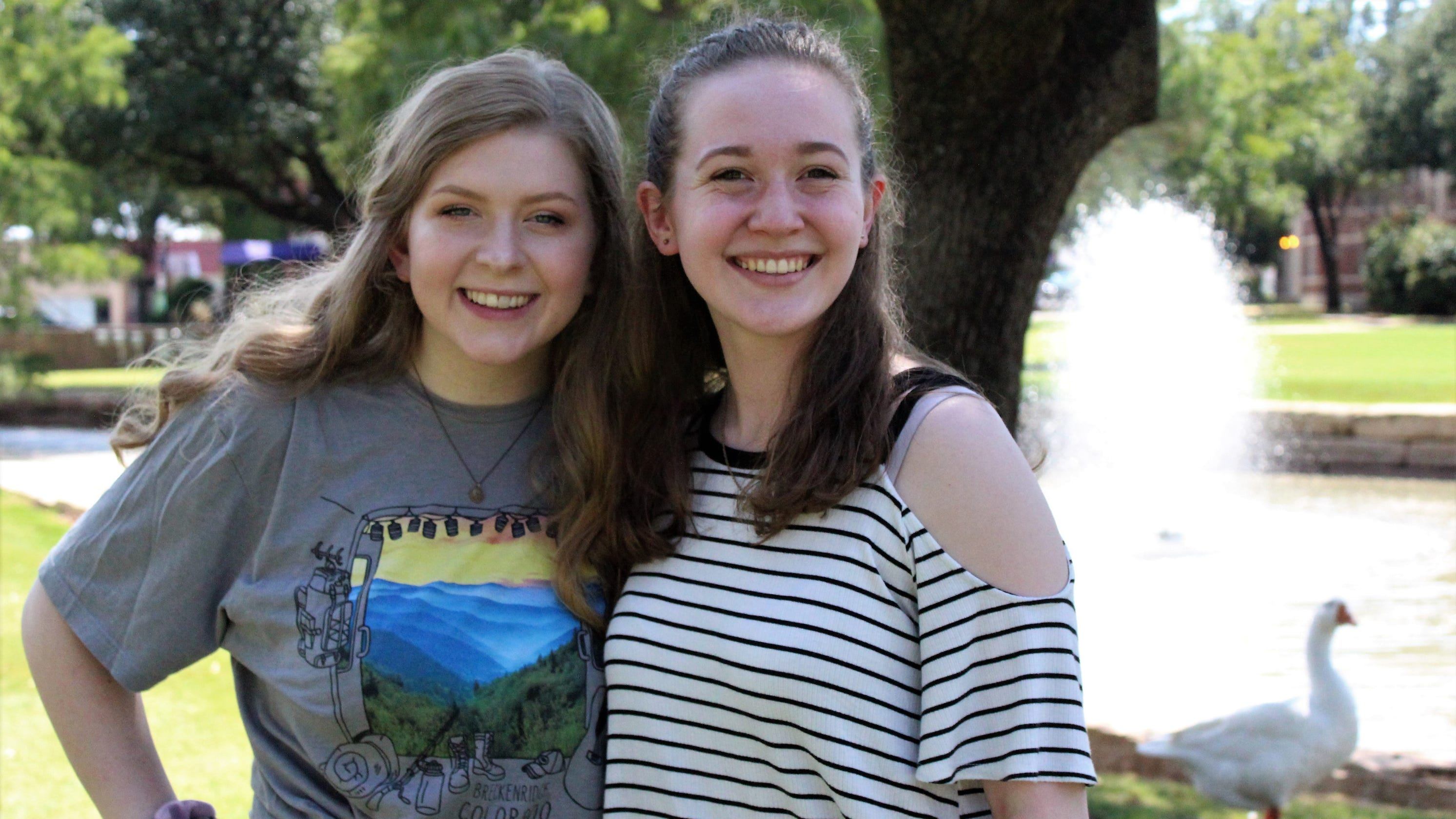 Hardin-Simmons' pond show returns student singers to performance after long break