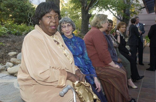 Minnie Jones, left, and Leah Karpen at the annual banquet for the Minority Enterprise Development Week at the Renaissance Hotel in 2004