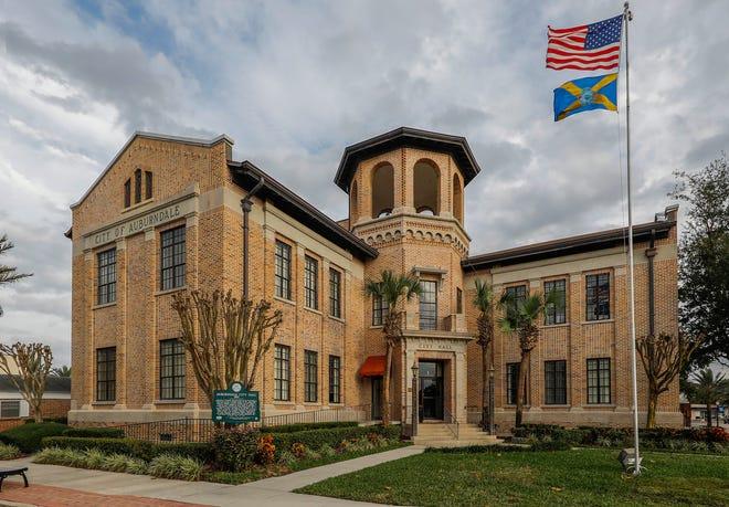 Auburndale City Hall.