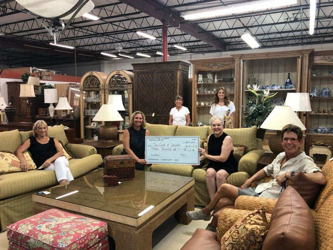 Personalized Estate Liquidation Benefiting Youth Inc., an affiliation of estate sale company PEL Consignments LLC, has presented Teen Court of Sarasota Inc. with a $15,000 gift to support its local services.