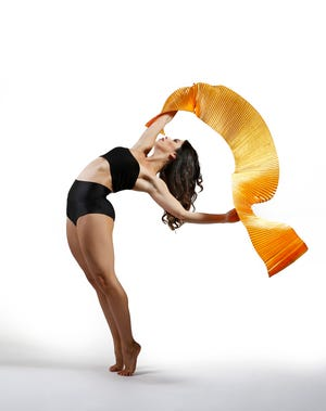 Dancer Juliana Cristina helps Sarasota Contemporary Dance mark its 15th season.