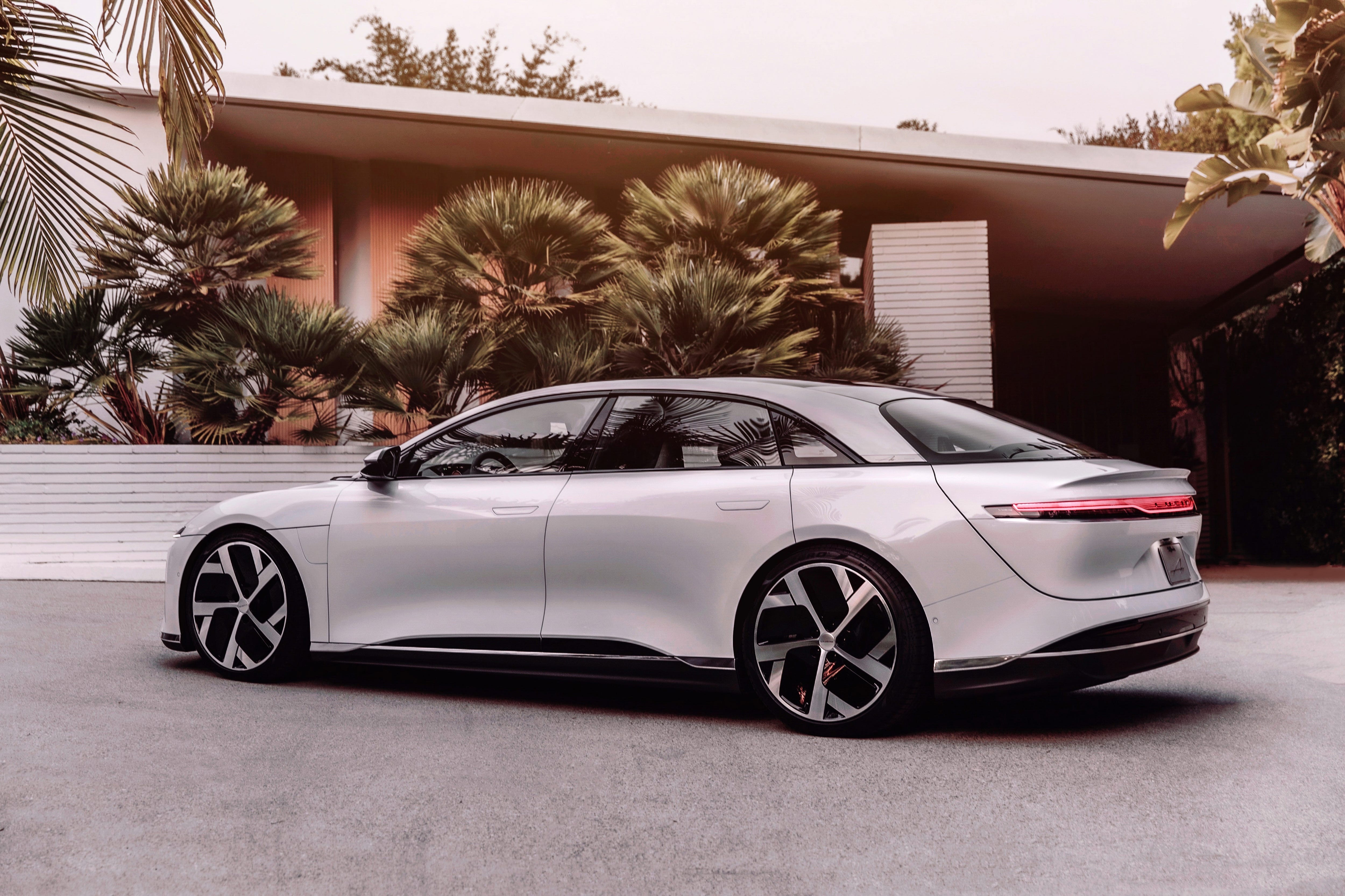 Lucid Air Debuts Lucid Motors Reveals Electric Car With 517 Mi Range