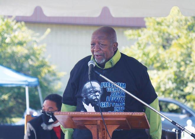 The Rev. Harold Middlebrook spoke at an event honoring the desegregation of Oak Ridge Schools.