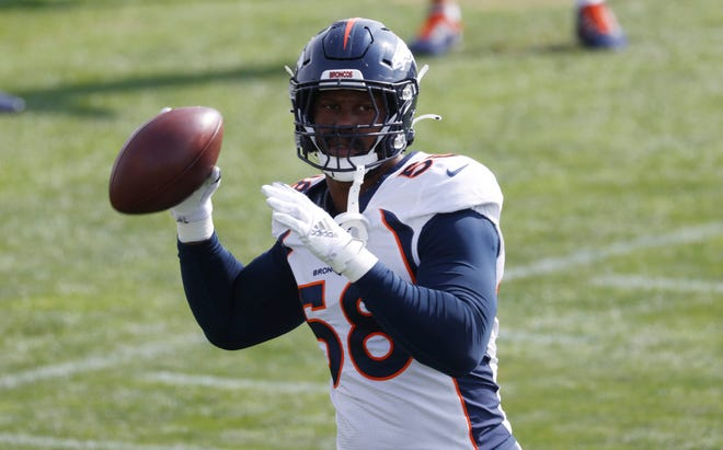 Denver Broncos linebacker Von Miller suffered an ankle injury that could be season ending. (AP Photo/David Zalubowski)