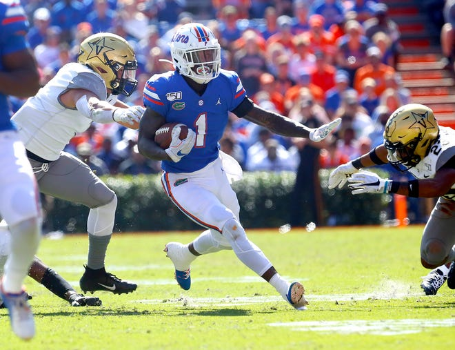Kadarius Toney (1) is becoming more of a complete wide receiver for the Gators.