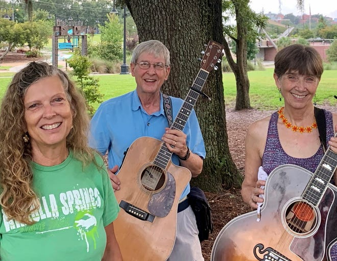 Sing for the Springs, featuring the music of Hot Tamale will be on Zoom from 7-8 p.m. Thursday, Sep. 17. Craig Reeder and Adrian Fogelin of Hot Tamale with Cynthia Paulson taken at Cascades Park.