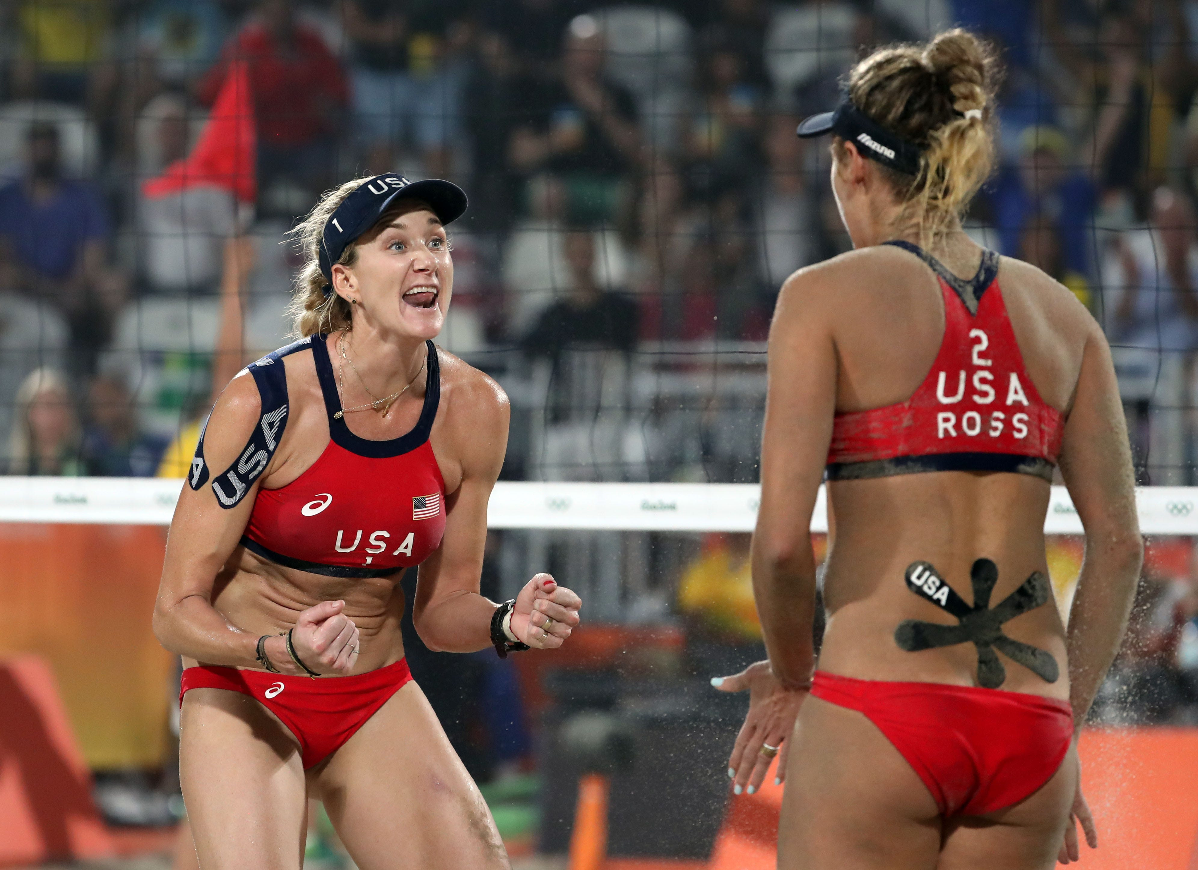 Kerri Walsh Jennings says she went shopping without mask:  A little exercise in being brave