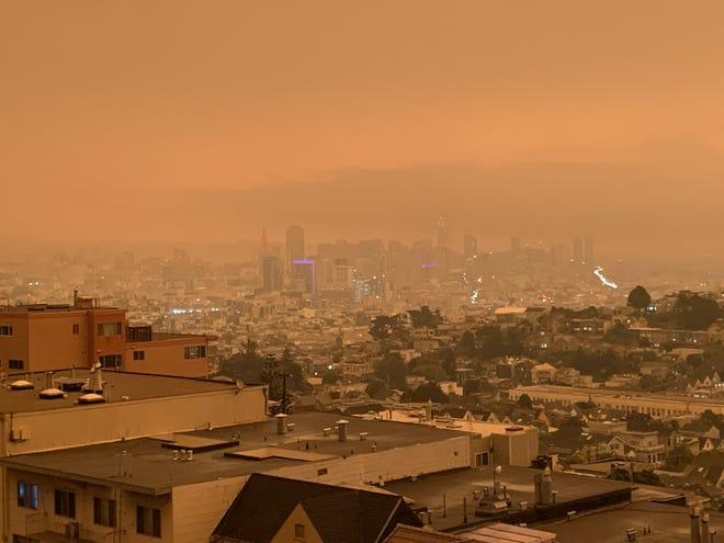 La calidad del aire en el área de San Francisco se encuentra muy dañada debido a los incendios forestales.