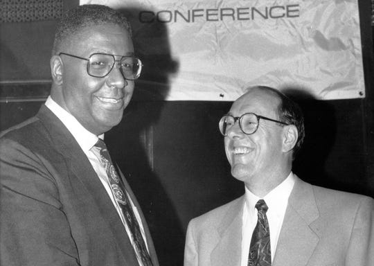 Georgetown's John Thompson, left, and Syracuse's Jim Boeheim talk in 1992.