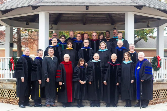 BCF Faculty with Dr. Thomas A. Kinchen (far right on front row), President of The Baptist College of Florida.