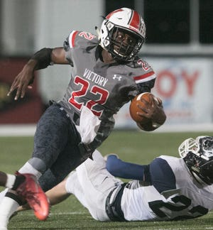 Victory running back Cornelius Shaw has 4,287 career rushing yards and needs 1,565 yards to move into third place on Polk County's all-time rushing list.