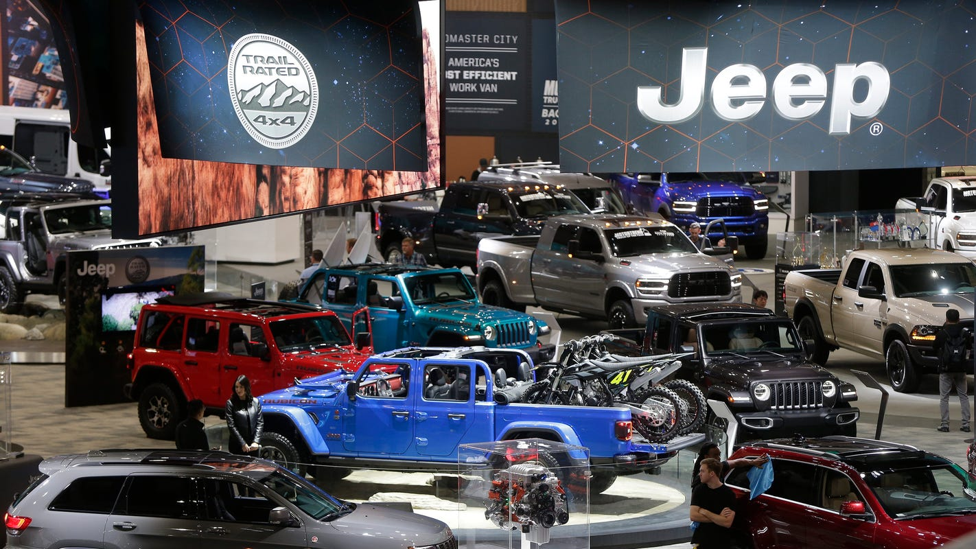 Detroit auto show moves to fall, snatching prime fall window from L.A. Auto Show