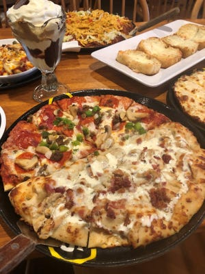 Pizza, pastas and sundaes are on the menu at Happy Joe's Pizza & Ice Cream, soon to occupy the former Applebee's Restaurant building in Fond du Lac.