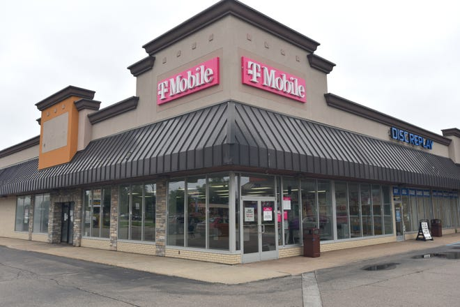 A Biggby Coffee could come to the empty storefront in the plaza at Middlebelt and Plymouth in Livonia.