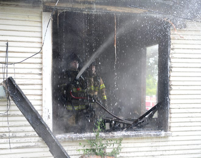 Wichita Falls firefighters worked to control a structure fire Wednesday afternoon at a duplex in the 1700 block of 7th Street. Fire official on-scene said the duplex appeared to be vacant but said someone could have been staying there. The cause of the fire is under investigation. No injures were reported.