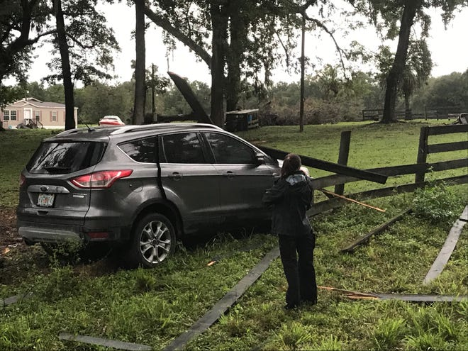 A 51-year-old Ocala mandied when the vehicle he was driving ran off the roadway and collided with a wooden fence on Thursday afternoon.