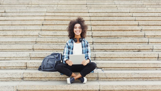 The right credit card can help students build their credit history.