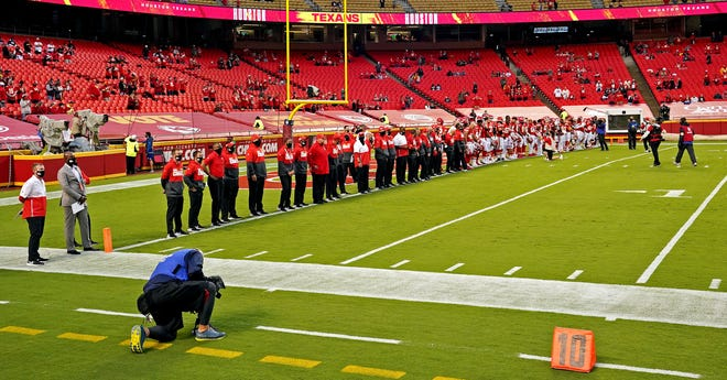Nfl Texans Players Don T Take Field For National Anthem Vs Chiefs