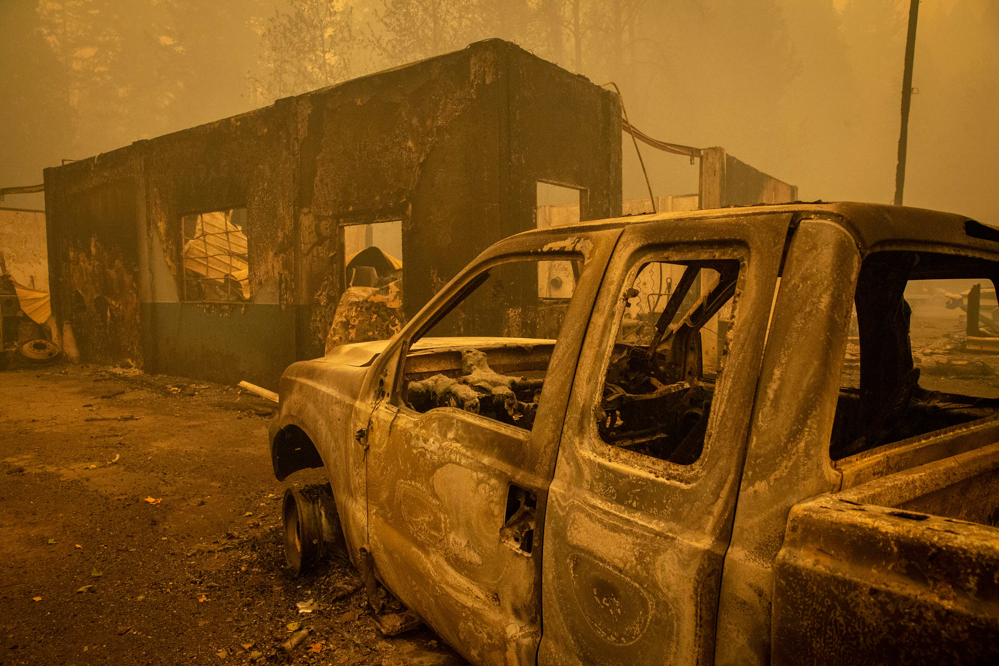 We have never seen this : 10% of Oregon faces evacuation; death toll at 26 from Western wildfires