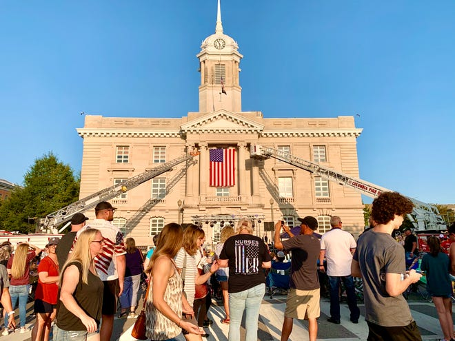 A large crowd of spectators gathers on the Columbia downtown square Friday to remember the 19th anniversary of 9/11. (Staff photo by Jay Powell)