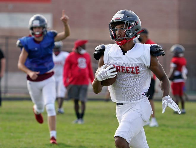 Senior Tre Phillips led Seabreeze with 17 receptions for 297 yards and two touchdowns last season.