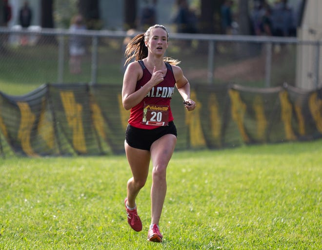 Fairfield Union senior Madison Eyman won the Watkins Memorial Woods and Mud Invitational on Saturday with a time of 18:33.8.