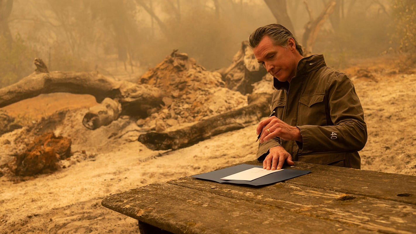 California governor signs bill giving prisoners battling wildfires a shot at becoming pro firefighters – USA TODAY