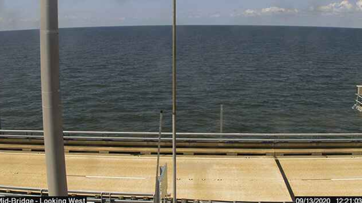 Live webcam snapshot from Lake Pontchartrain on 9/13/2020 at 12:21 p.m.