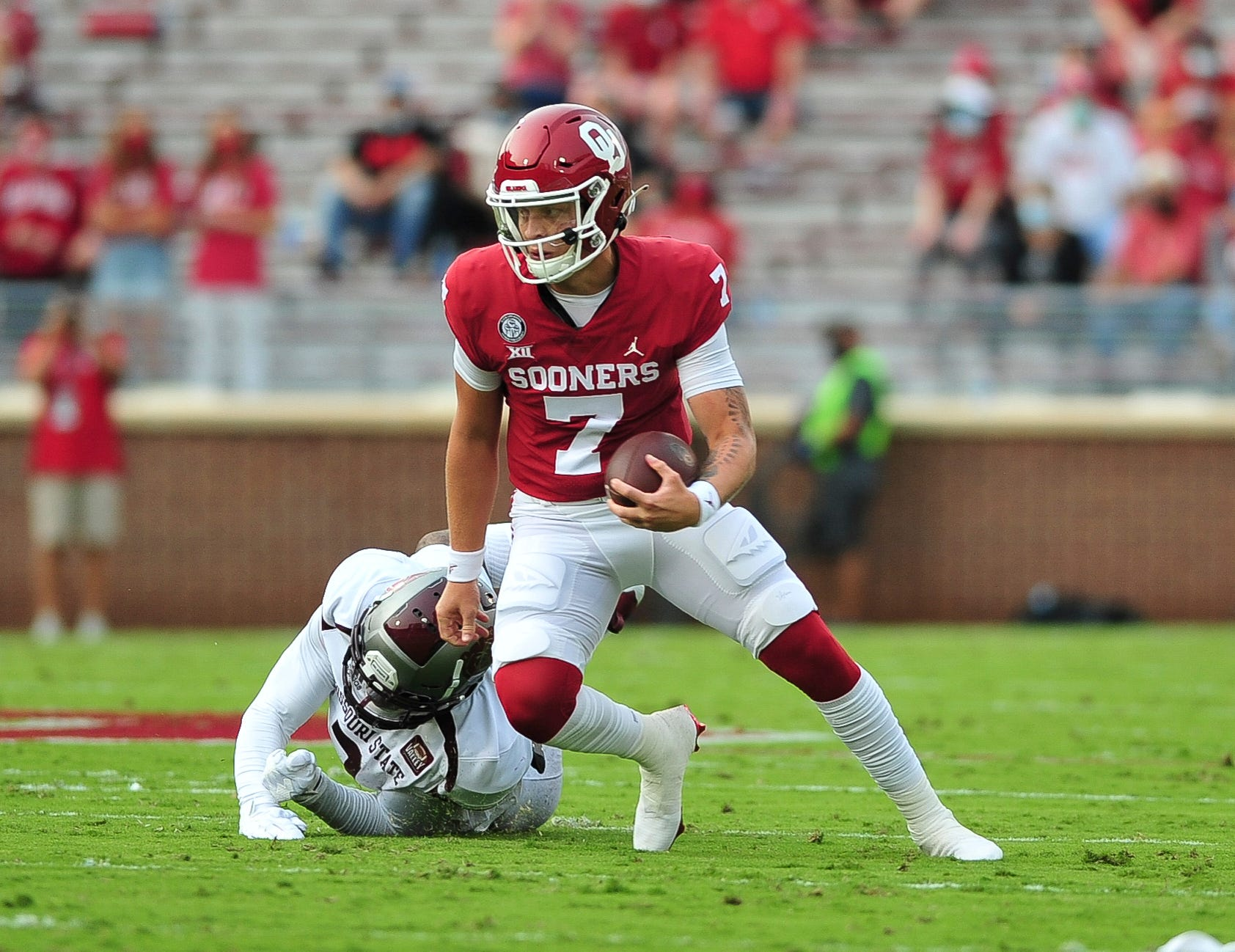 Ou Football Sooners Lead Big Over Missouri State At Halftime