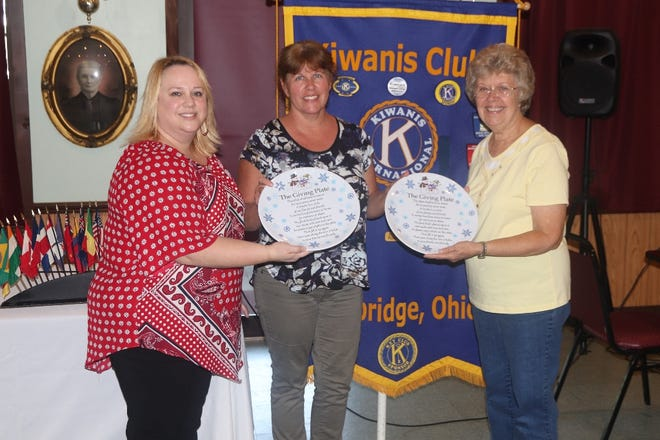 Pictured are Marcia Metcalfe, Lori Bamfield and Gayle Heinton