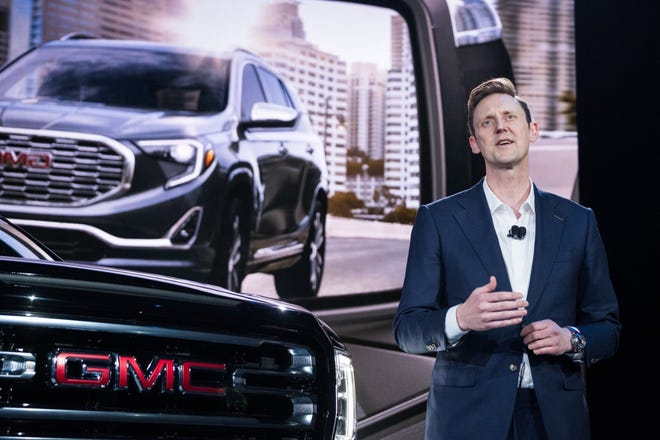 GM to reveal GMC Hummer electric pickup and its 'crab mode' Oct. 20