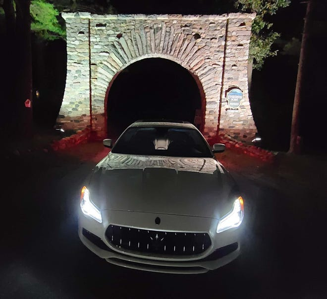 The 2020 Maserati Quattroporte S Q4 has a striking presence after sundown.